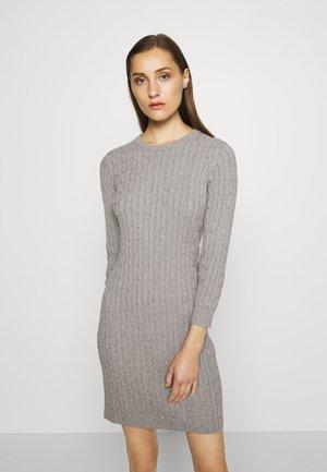 STRETCH CABLE DRESS - Gebreide jurk - grey melange