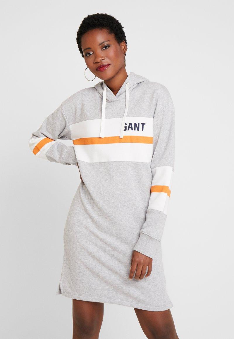 GANT - GRAPHIC BLOCK STRIPE DRESS - Vapaa-ajan mekko - light grey melange