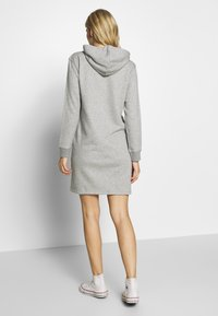GANT - LOCK UP HOODIE DRESS - Denní šaty - grey melange - 2