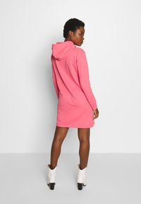 GANT - LOCK UP HOODIE DRESS - Day dress - rapture rose - 2
