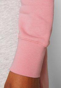 GANT - STRIPE HOODIE DRESS - Sukienka letnia - summer rose - 5