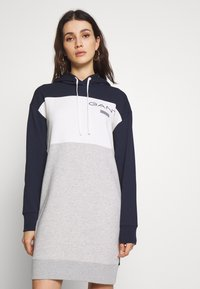 GANT - STRIPE HOODIE DRESS - Denní šaty - evening blue - 0
