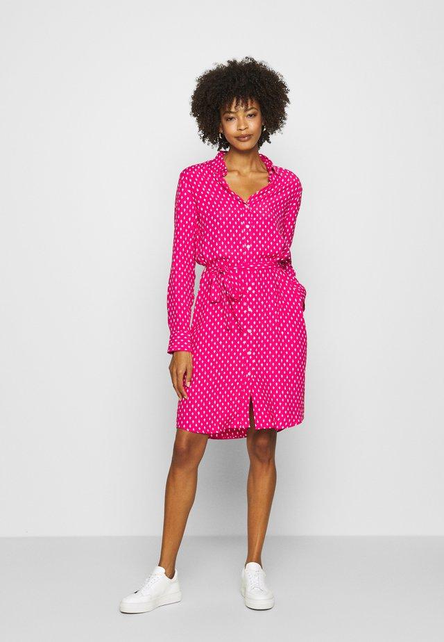 DESERT JEWEL PRINT DRESS - Košilové šaty - rich pink