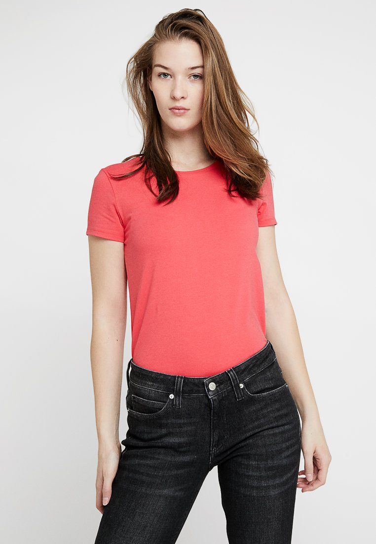 GANT - C NECK  - T-Shirt basic - watermelon red