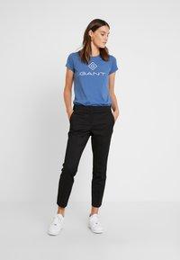GANT - LOCK UP - Camiseta estampada - salty sea - 1