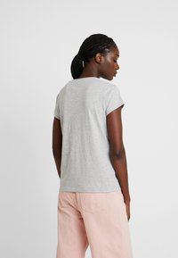 GANT - Print T-shirt - light grey melange - 2