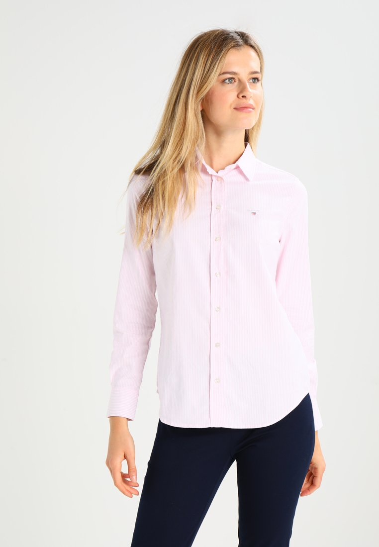 GANT - OXFORD BANKER - Button-down blouse - light pink