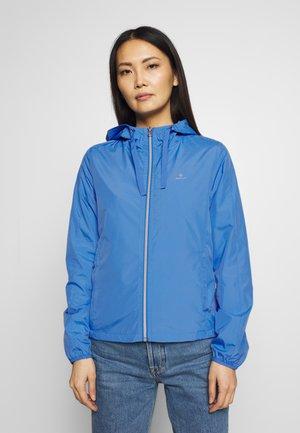 WIND SHIELDER - Summer jacket - pacific blue