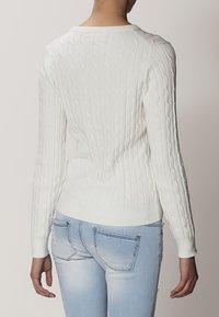 GANT - CABLE CREW - Jersey de punto - off white - 3