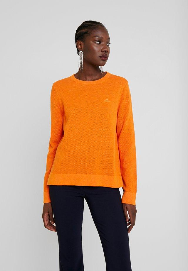CREW - Stickad tröja - amberglow