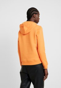 GANT - LOCK UP HOODIE - Jersey con capucha - amberglow - 2