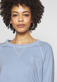 GANT - D2. SUNFADED C-NECK SWEAT - Sweatshirt - hamptons blue - 3