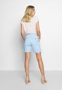 GANT - CLASSIC CHINO - Shorts - capri blue - 2