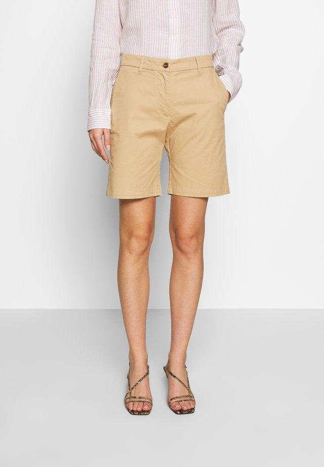 CLASSIC CHINO - Shorts - dark khaki