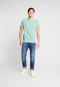 GANT - THE ORIGINAL - Basic T-shirt - field green - 1