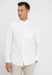 GANT - THE OXFORD - Skjorta - white - 0