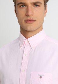 GANT - THE OXFORD - Camisa - light pink - 3