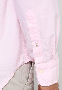 GANT - THE OXFORD - Camisa - light pink - 5