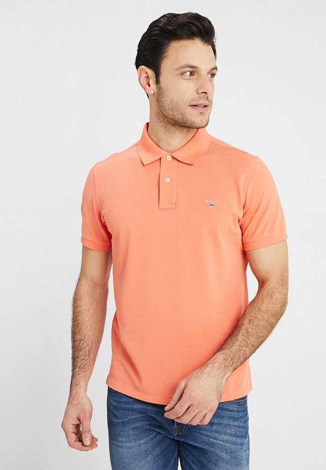 SOLID RUGGER - Poloshirt - coral/orange