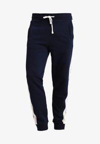 GANT - ICONIC PANT - Spodnie treningowe - evening blue - 4