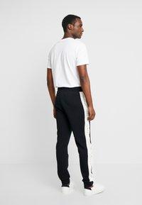 GANT - ICONIC PANT - Pantaloni sportivi - black - 2