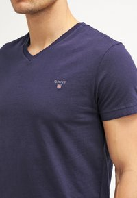 GANT - THE ORIGINAL  SLIM FIT - T-shirt basic - evening blue - 4