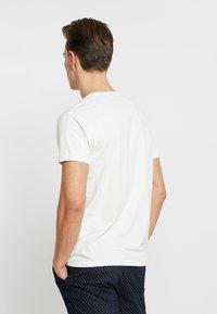 GANT - LOCK UP  - T-shirt med print - eggshell - 2
