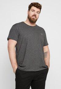 GANT - T-shirt basic - anthracite - 0
