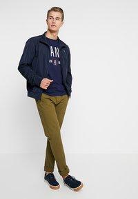 GANT - GRAPHIC  - T-shirt imprimé - evening blue - 1