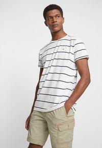 GANT - BRETON STRIPE - T-shirt imprimé - eggshell - 0
