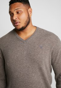 GANT - PLUS  - Jumper - dark hazelnut melange - 3
