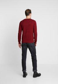 GANT - CREW - Sweter - crimson red - 2