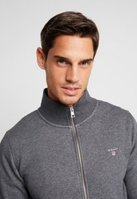 GANT - THE ORIGINAL FULL ZIP CARDIGAN - Felpa aperta - antracit melange - 5