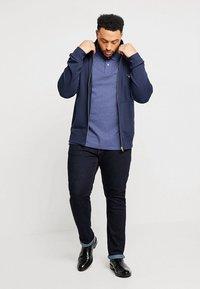 GANT - THE ORIGINAL FULL ZIP - Zip-up hoodie - evening blue - 1