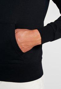 GANT - STRIPE HOODIE - Felpa con cappuccio - black - 5