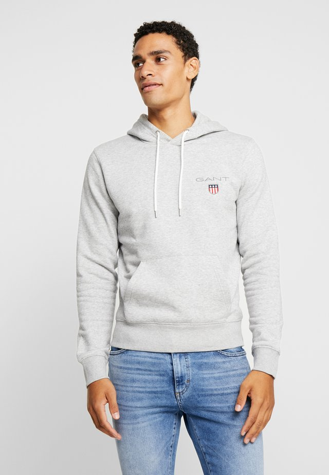 MEDIUM SHIELD HOODIE - Mikina s kapucí - light grey melange