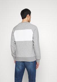 GANT - STRIPE C-NECK - Sweatshirt - grey melange - 2