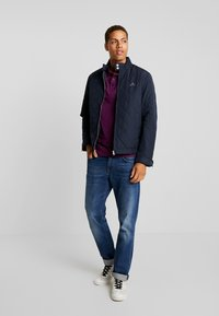 GANT - THE QUILTED WINDCHEATER - Allvädersjacka - evening blue - 1