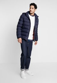 GANT - THE ACTIVE CLOUD JACKET - Chaqueta de invierno - evening blue - 1