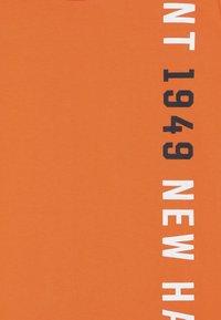 GANT - Triko spotiskem - sunny orange - 3