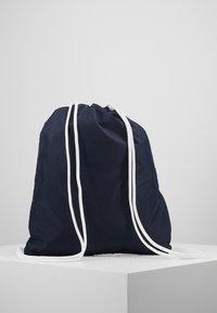 GANT - GYM SACK - Sportovní taška - evening blue - 3
