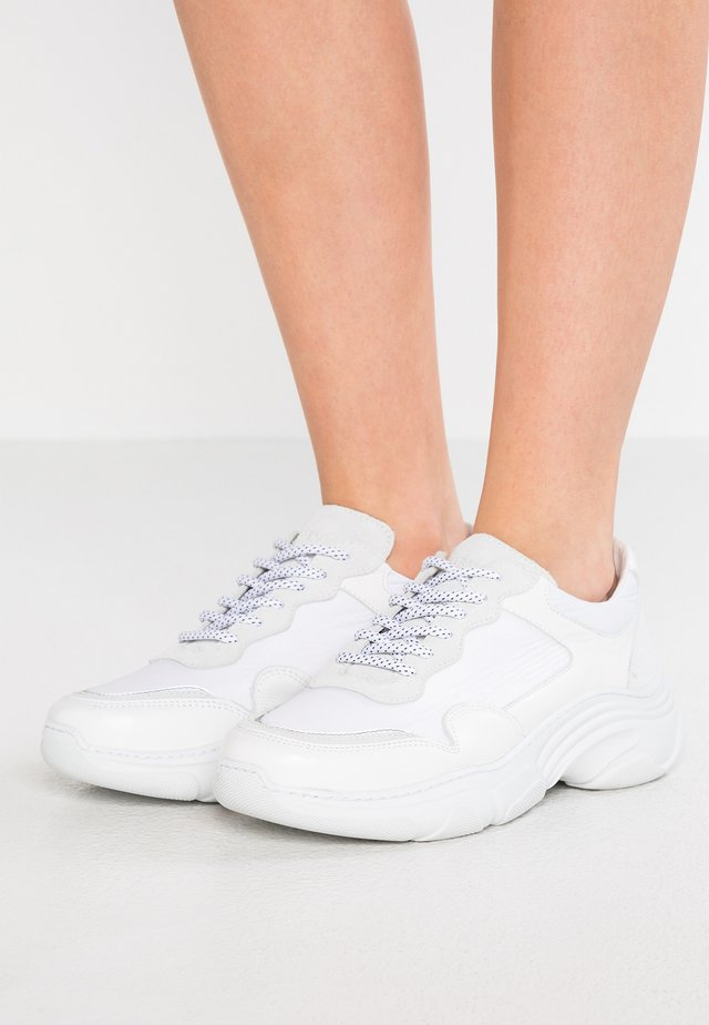 FLEX - Sneaker low - white