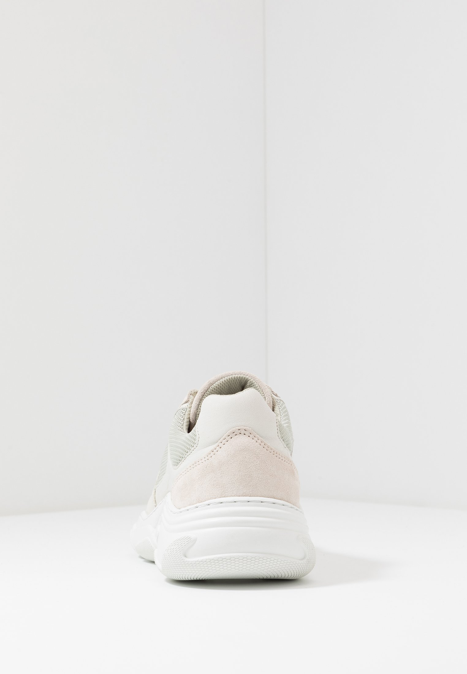 Garment Project Baskets Basses - Offwhite