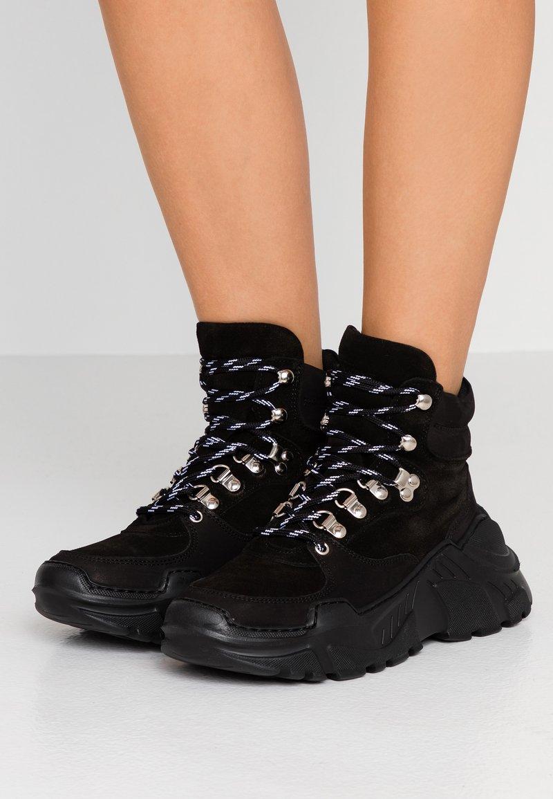 GARMENT PROJECT - Sneakers hoog - black