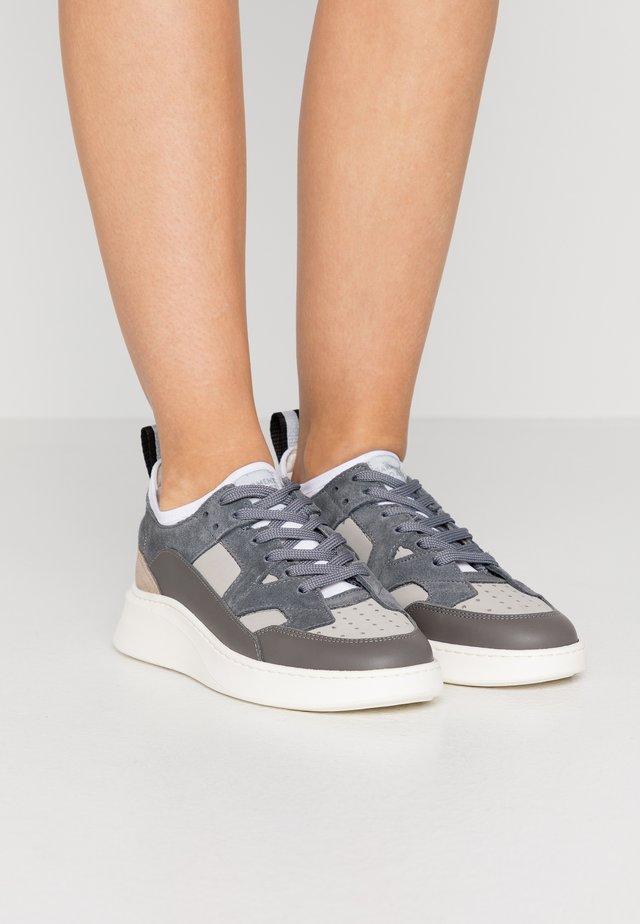NEW YORK - Trainers - white/grey