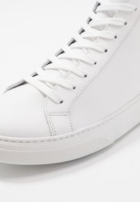 GARMENT PROJECT - High-top trainers - white - 5