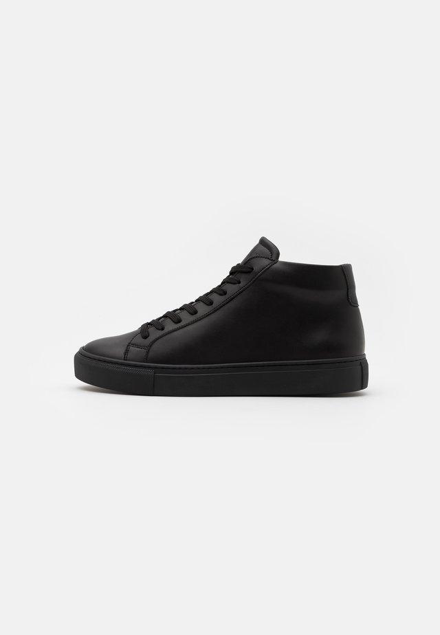 TYPE SOLE VEGAN - Sneakers hoog - black