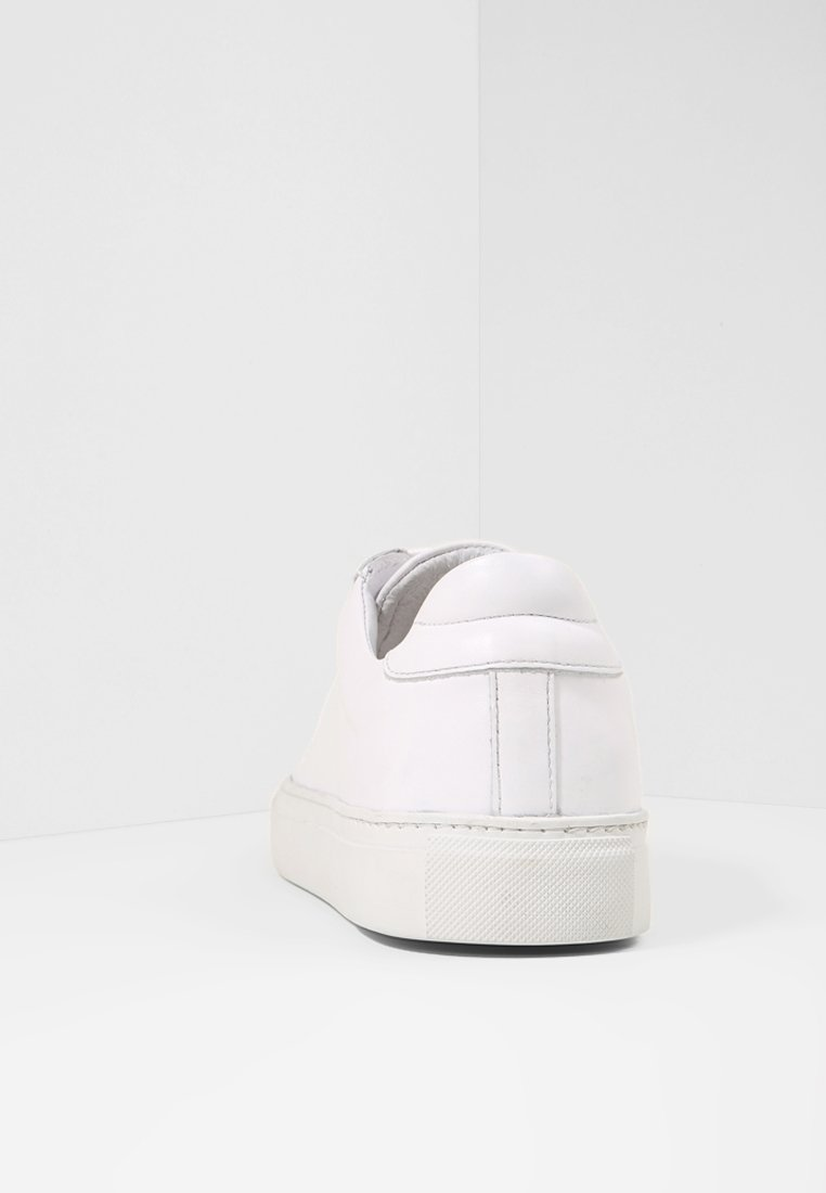 Garment Project Type - Baskets Basses White