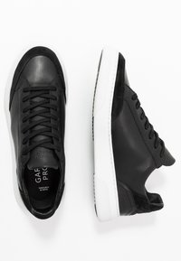 GARMENT PROJECT - OFF COURT - Sneakers laag - black - 1