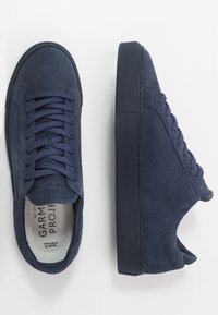 GARMENT PROJECT - TYPE - Sneakers laag - flag - 1